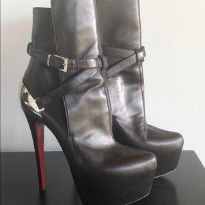 Christian Louboutin size 38 Black/silver boot